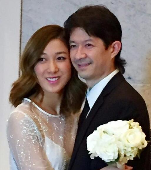 钟嘉欣婚姻真相 去年已领证 27日补办婚礼