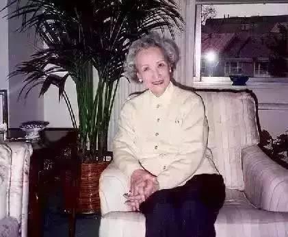 中年妇女多个情人面相_她中年丧夫50岁蒙冤入狱90岁时仍是中国最精