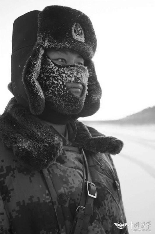 资料图:杜宏生前冬季巡逻