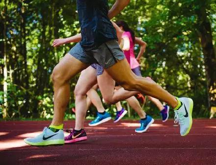 姿势跑步法图解