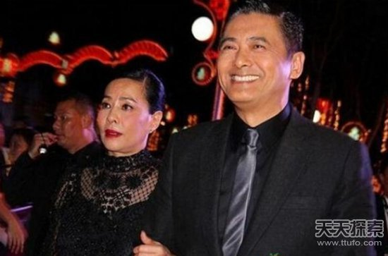 刘德华周润发成龙 盘点娱乐圈大腕的低调老婆