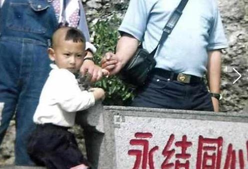 还有多少人记得牺牲的少校飞行员王伟