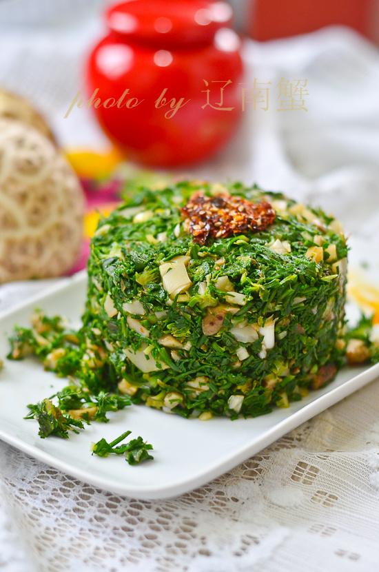 野菜飘香时节不可少的美味荠菜拌花菇