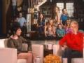"""《艾伦秀第13季片花》第S13E111期 吉普森现场唱新歌 闺蜜情深共扮""""粉色女郎"""""""