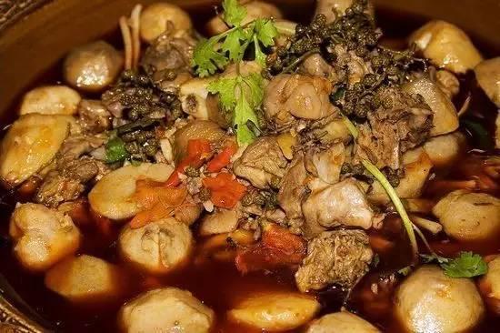 听说他们是成都市第一家芋儿鸡火锅,开创了芋儿鸡火锅时代!