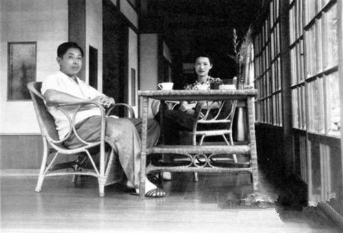 张学良(左)和赵四小姐在新竹