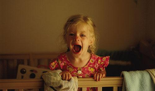 小孩子情绪不稳定怎么办