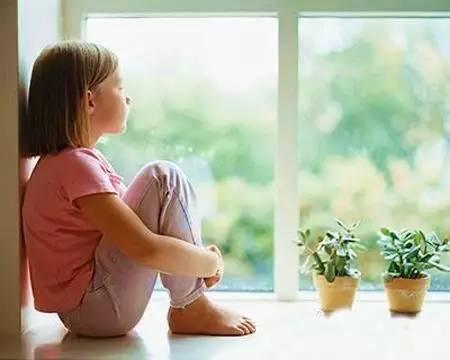 产后抑郁症的表现和原因