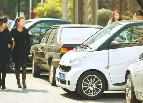 驾控表现差异不小 试驾新老款smart