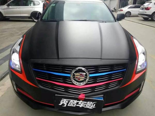 更显犀利 凯迪拉克亚光黑搭配亚光红车身改色贴膜高清图片