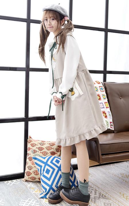 森女系卡通兔子胡萝卜刺绣背带连衣裙好萌的说,搭配花边娃娃领蝴蝶结