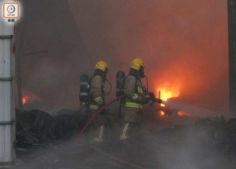 救火员救火