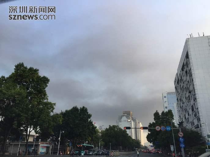深圳上空洋溢黑烟(来自深圳期货配资 网)