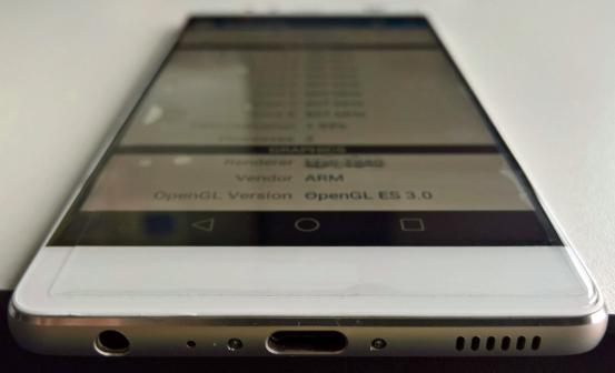 华为P9曝光 双摄像头到底有什么好处 这就是即将登场的首款华为P9双摄像头旗舰手机的真面孔这款手机有望
