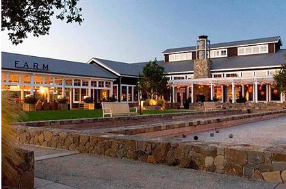 这家酒店拥有27英亩的葡萄园,坐落在充满乡村感觉的Carneros酿酒区域。这家酒店的装修风格是将现代格调与谷仓、棉仓等相结合。Spa过程中使用霞多丽葡萄的葡萄籽油,同时还有当地的葡萄酒精油。