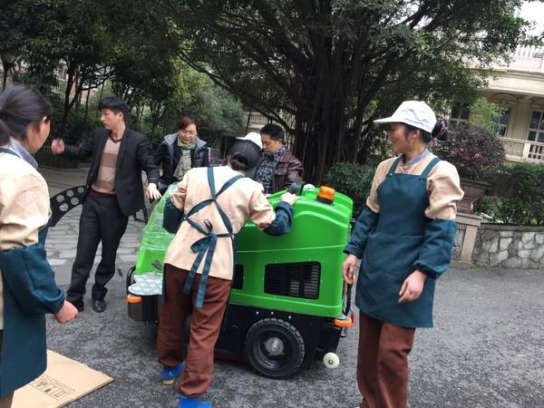 电动扫地车的运行经济性