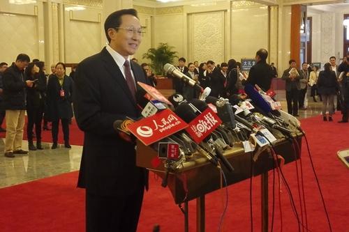 农业部部长韩长赋接受记者采访