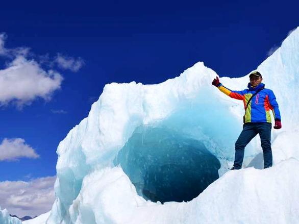 川藏线上世界三大冰川之一西藏然乌来古冰川,毒手巫医笔趣阁