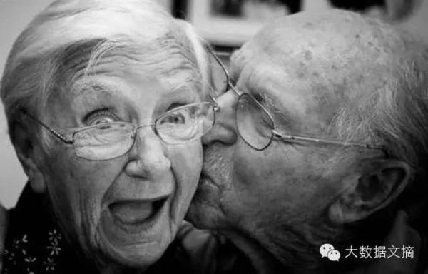解密幸福婚姻:心理学家+40年研究+3000对情侣数据