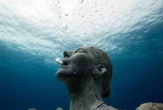 """未解之谜!哥伦布曾遭""""海底人""""攻击"""
