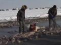 《了不起的挑战片花》第九期 查干湖上演满地尽是鱼 小撒情绪激动摔倒在地