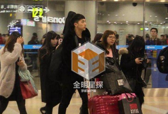 许魏洲在北京机场