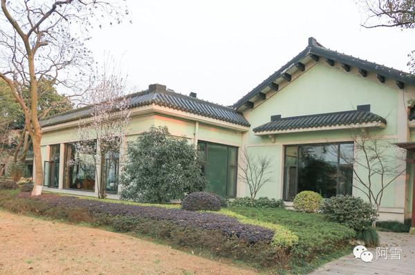 新江南别墅外墙