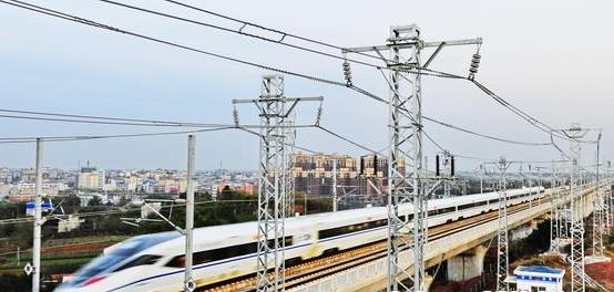 成渝高铁客运专线. 四川在线 资料图-成都铁路局书记抱怨电价推高票