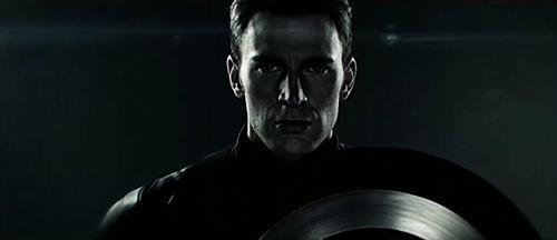 《美队3》曝两支预告片前瞻 两大阵营分割现身
