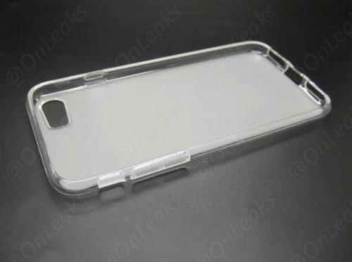 爆料大神给出的iPhone7保护套谍照,3.5mm耳机接口已经消失了(图片来自cnbeta.com)