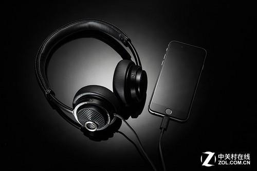 飞利浦在2014年便推出了业界第一款Lightning接口耳机--Fidelio M2L