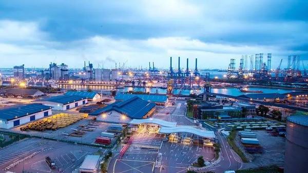 中国到新加坡地�_新加坡港最大特色是转运,它地理位置极佳东亚的中国,日本,韩国到西亚