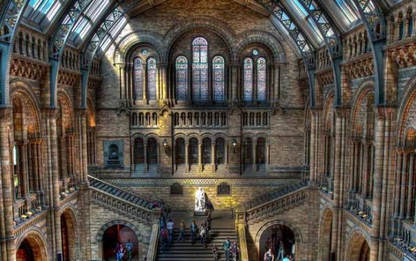 伦敦艺术大学_伦敦艺术大学