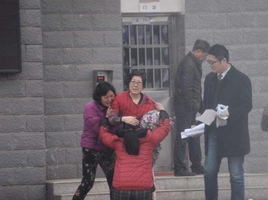 """【宝宝帮】两位中国式""""伟大""""母亲,你的爱我真的理解不了!"""