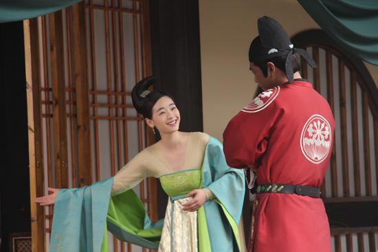 娘和亲家公嗯嗯 呀呀-搜狐娱乐讯 湖南卫视开年热播大戏《青丘狐传说》已近尾声,这个关于...