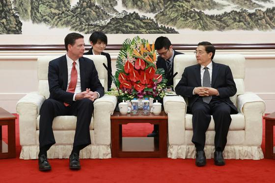 3月14日,国务委员、公安部部长郭声琨在北京会晤了美国联邦查询局局长科米。