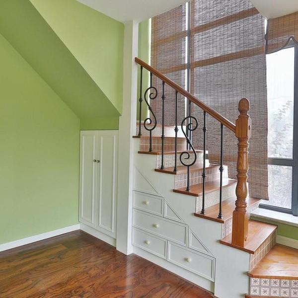 复式楼梯这样设计,谁能认识这是小户型图片