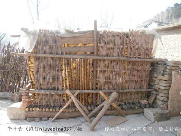玉米囤~农村家家户户的玉米收纳箱图片