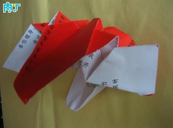 用封面纸diy最简单纸花的折法图解