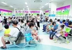 与其在医院排队坐等孩子病情加重,不如 戳中多少父母