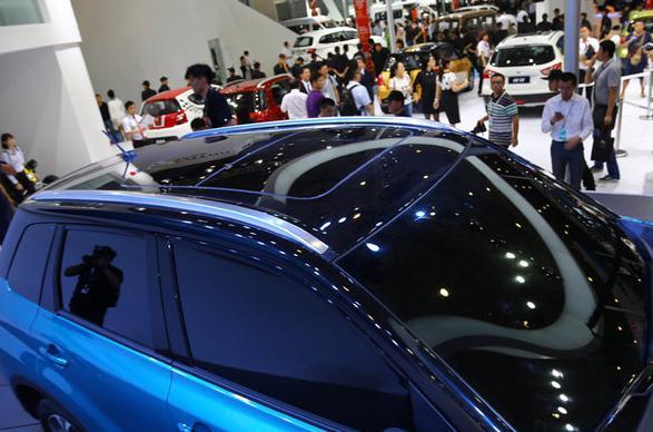 铃木超级维特拉SUV高清图片