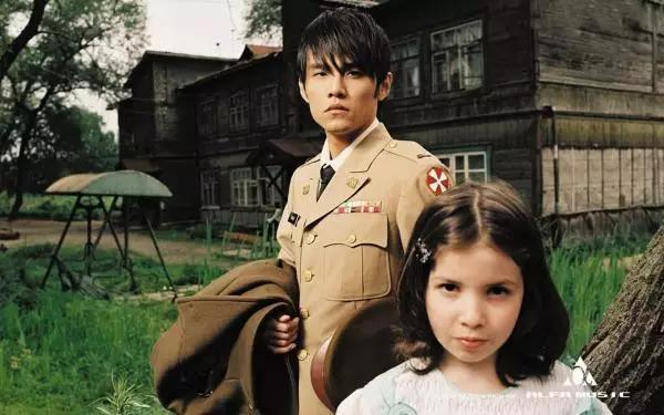 《七里香》歌曲MV走的是唯美浪漫路线,整个场景在日本的群马县图片