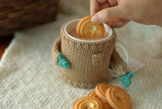 手工编织杯子毛衣(组图)