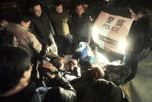 北京警方在市公安局统一部署下,对医院号贩子开展专项打击整治行动。视觉中国 资料图
