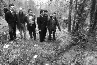华商报安康讯(记者 王斌 通讯员 邹强志)近日,汉阴县铁佛镇一村民在荒地干农活时,发现一块人头盖骨,揭开了一桩沉寂多年前的命案。
