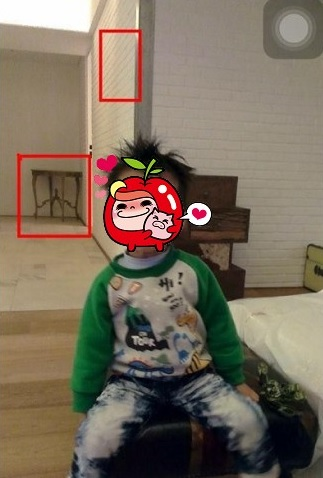 言承旭小外甥的室内照 也出现同款神�z小桌子