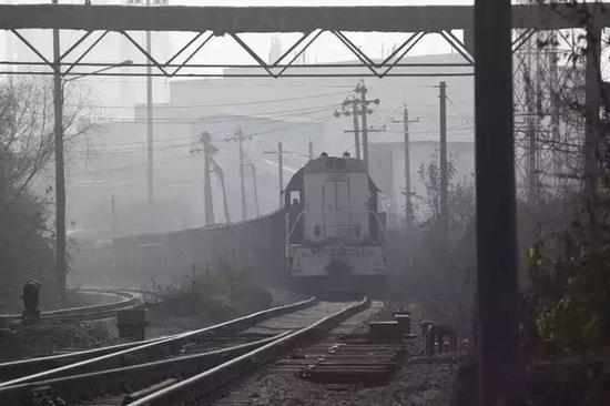 武钢本部厂区的火车