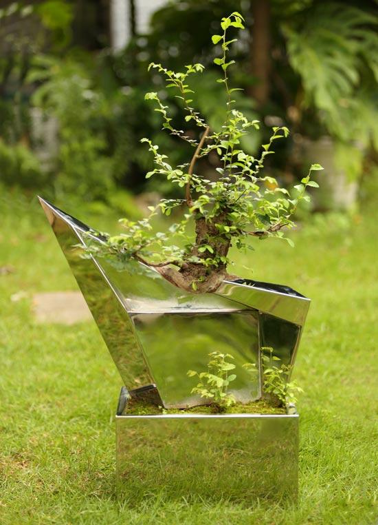 新盆景2003,杨光45×22×60cm,不锈钢、树,2003年
