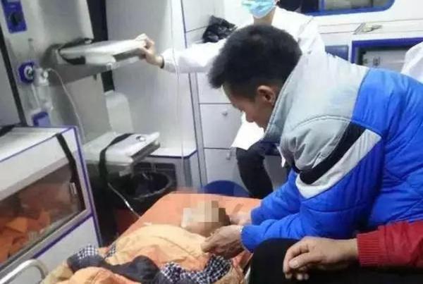广东河源一4岁男童在儿童园打针疫苗后发烧,因急救有效殒命。