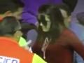 视频-梅西怒射误中女球迷 眼冒金星头晕目眩